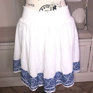 Old Navy White Embroidered Circle Stretch Skirt